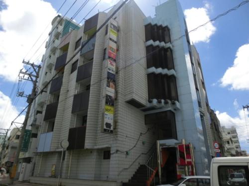 みえばしステーションビル4階、スナック、バーOK【那覇市久茂地、14坪】